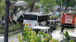 L'attentat du TAK contre un car de police a fait 11 morts, mardi 7 juin 2016, dans le centre d'Istanbul.