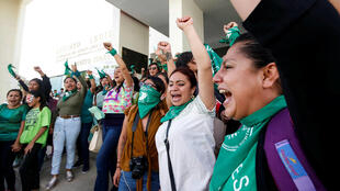 Colectivos a favor de los derechos de las mujeres celebraron la decisión del Congreso de Oaxaca. 25 de septiembre de 2019.