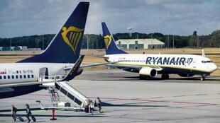 Ryanair a annoncé, le 1er mai 2020, son intention de supprimer plusieurs milliers d'emplois à cause de la pandémie de Covid-19.