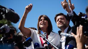 Michèle Rubirola (C) et son premier adjoint Benoit Payan après son élection samedi 4 juillet 2020