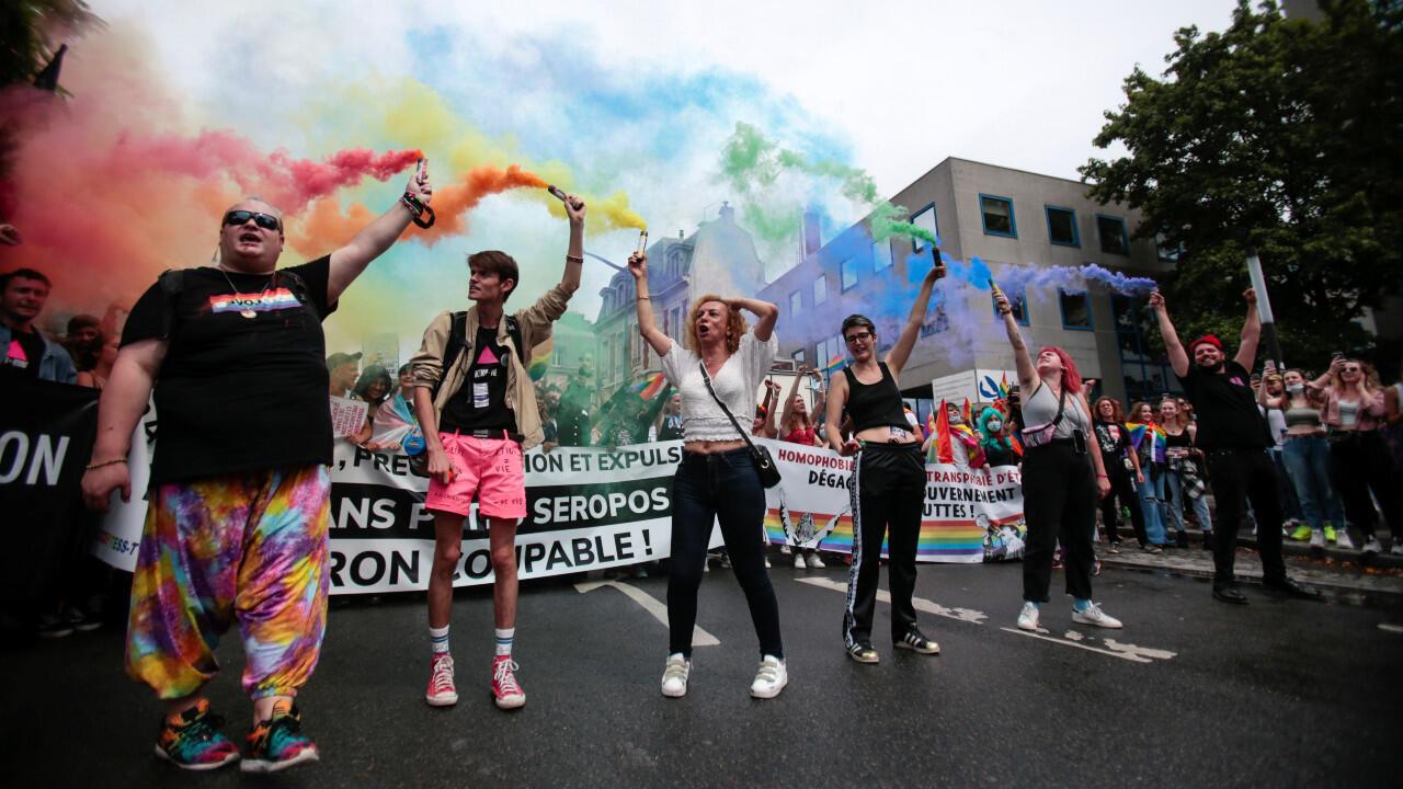 2021-06-26-gay-pride-paris-m