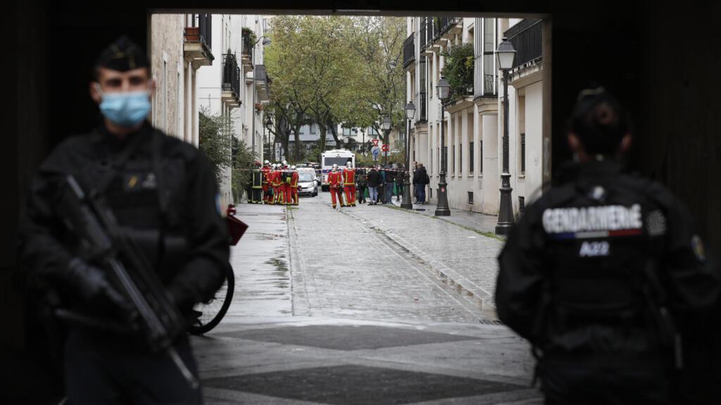 """بعد ست سنوات من الهجوم على """"شارلي إيبدو"""" حادثة طعن تعيد مشاهد الرعب إلى الدائرة الباريسية الـ11"""