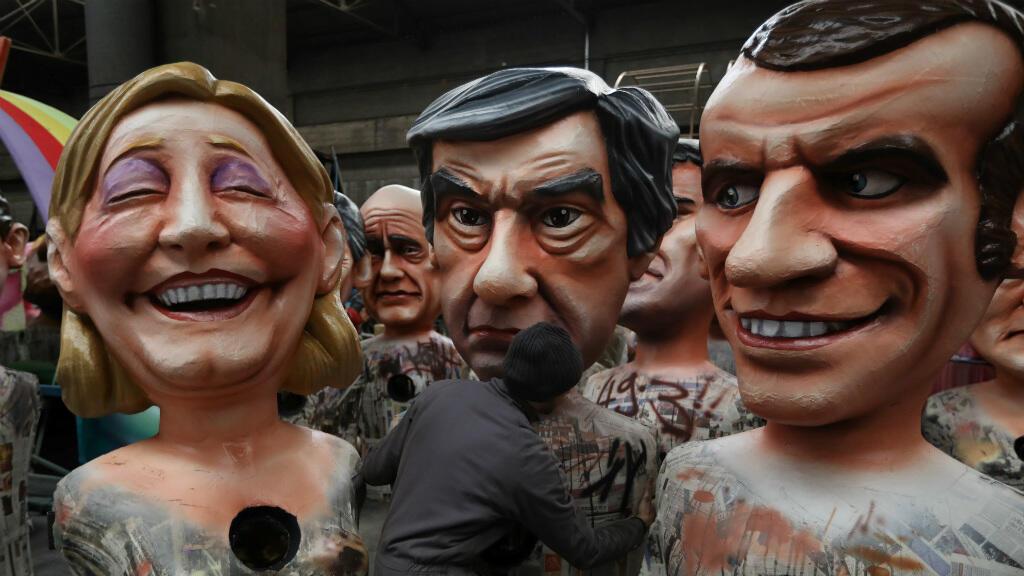 """Des """"grosses têtes"""" en préparation pour le carnaval de Nice."""