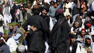 Des Taliban libérés de la prison de Pul-i-Charkhi en Afghanistan, le 26 mai 2020.