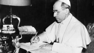 Retrato del papa Pío XII el 26 de noviembre de 1955 en Castel Gandolfo.