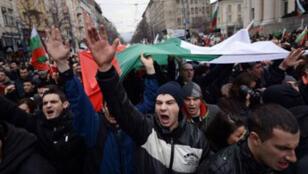 Des milliers de Bulgares ont défilé dans la rue en février.