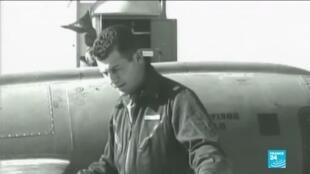 2020-12-08 11:13 Chuck Yeager, first pilot to break sound barrier, dies aged 97