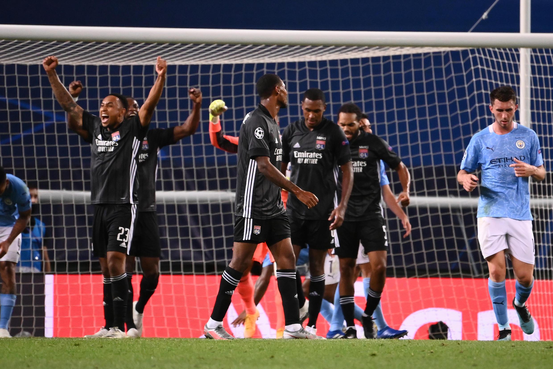La joie des Lyonnais vainqueurs de Manchester City en quarts de finale de Ligue des champions, le 15 août 2020 à Lisbonne