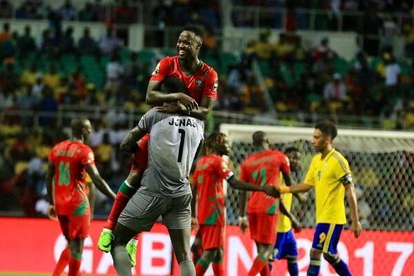 فرحة لاعبي غينيا بيساو بالتعادل أمام الغابون