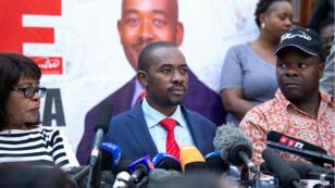 Nelson Chamisa lors d'une conférence de presse à Harare, vendredi 3 août.
