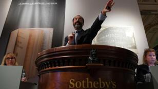 Une vente aux enchères de la maison Sotheby's à Paris, le 30 octobre 2017.