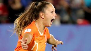 Lieke Martens célèbre l'un de ses buts face au Japon, le 25 juin 2019, à Rennes.