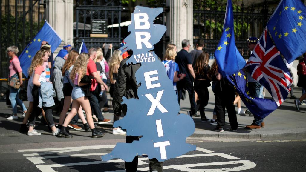 Un partidario del Brexit, fuera del Parlamento en Londres, Reino Unido, el 17 de junio de 2019.