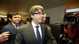 Carles Puigdemont à Bruxelles, mardi 31 octobre 2017, quelques minutes avant sa conférence de presse.