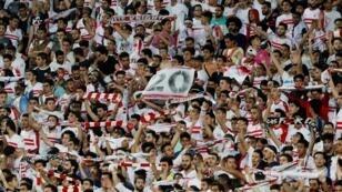 مشجعو الزمالك خلال مباراة أمام النجم الساحلي ببرج العرب، 28 أبريل/نيسان 2019.