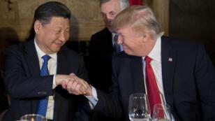 Donald Trump prône désormais un rapprochement avec Pékin, dont il cherche l'appui dans l'épineux dossier nord-coréen.