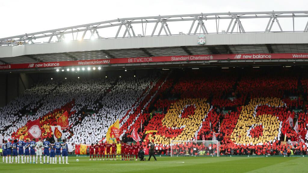 Este domingo 14 de abril, antes del partido entre el Liverpool F.C. contra el Chelsea F.C., se realizó un minuto de silencio en el estadio de Anfield, Liverpool. El las tribunas se honraron a las 96 víctimas de la tragedia de Hillsborough, que ocurrió 30 años atrás.