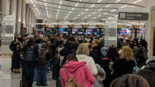 La panne d'électricité a provoqué l'annulation de plusieurs centaines de vols dimanche 17 décembre à l'aéroport d'Atlanta, le plus fréquenté au monde.