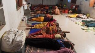 إجلاء السكان في الهند بسبب إعصار فاني.