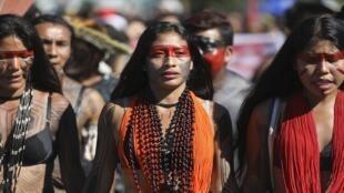 مسيرة السكان الأصليين في برازيليا، في 26 أبريل نيسان 2019.