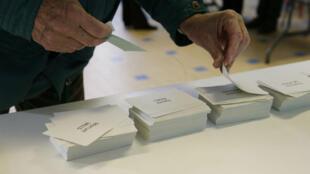 Selon la Haute Autorité de la primaire socialiste élargie, 1 601 138 personnes ont voté lors du premier tour de la primaire de gauche.