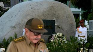 El primer secretario del Partido Comunista de Cuba, Raúl Castro, durante su discurso en el aniversario 60 de la Revolución Cubana, Santiago de Cuba, Cuba. 1 de enero de 2019.