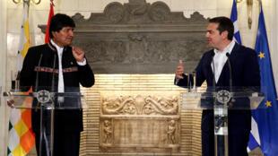 El presidente de Bolivia, Evo Morales, y el primer ministro griego, Alexis Tsipras, en una conferencia de prensa en Atenas, Grecia, el 15 de marzo de 2019.