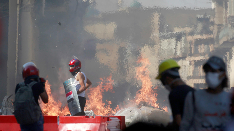 Disturbios entre manifestantes y las fuerzas de seguridad durante las protestas contra el Gobierno en Bagdad, Irak, el 7 de noviembre de 2019.