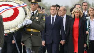 Emmanuel Macron en visite au Mémorial d'Erevan, en octobre2018.
