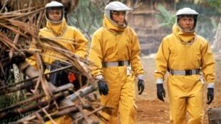 """En 1995, """"Alerte !""""  est le premier film à évoquer une épidémie d'Ebola."""