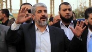 انتخاب خالد مشعل رئيسا جديدا لمكتب حركة حماس الفلسطينية في الخارج.