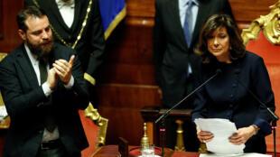 La nueva presidenta electa del Senado, Maria Elisabetta Alberti Casellati, del partido Forza Italia, habla durante el segundo día de sesiones desde las elecciones nacionales del 4 de marzo en Roma, Italia, el 24 de marzo de 2018.