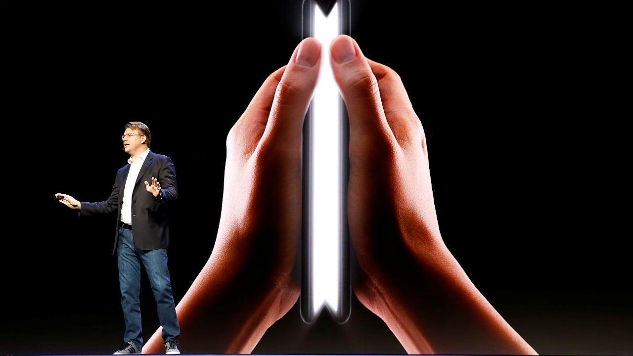 Le Galaxy Fold sortira aux États-Unis le 26 avril et coutera 1980 dollars.