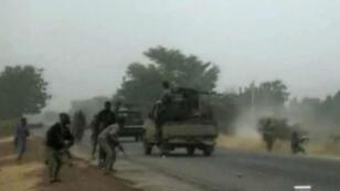 Vidéo publiée le 2 janvier, par le groupe de combattants Boko Haram, filmée au checkpoint militaire près de la ville de Maiduguri.