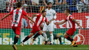Portu celebra el gol del histórico triunfo del Girona sobre el Real Madrid por 2-1 en partido válido por la décima fecha de la Liga española.