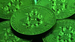 Las fichas de Bitcóin se ven en esta imagen de ilustración, 8 de diciembre de 2017. Fotografía tomada el 8 de diciembre.