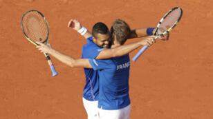 La joie de Jo-Wilfried Tsonga et Richard Gasquet à Roland-Garros, samedi 13 septembre.