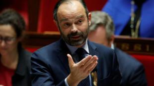A l'Assemblée nationale ce mardi, le Premier ministre Edouard Philippe a défendu les mesures annoncées par Emmanuel Macron.