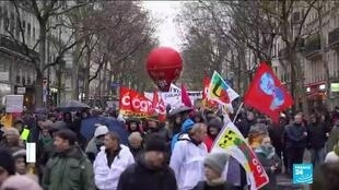 2019-12-17 14:01 Unions unite in general strike against Macron's pension reform plan