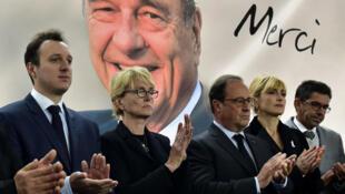 الرئيس الفرنسي السابق فرانسوا هولاند وكلود شيراك في مراسم تكريم والدها الرئيس الراحل جاك شيراك بسانت فيريول 5 أكتوبر/تشرين الأول 2019.
