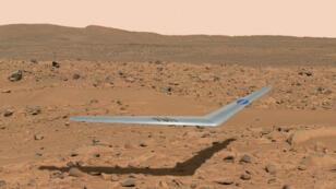 Une illustration d'un vol de l'aile Prandtl-D au-dessus de la surface de Mars.