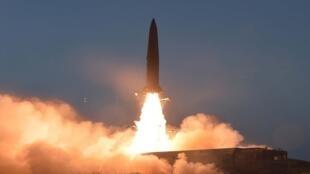 صورة للصاروخ قصير المدى الذي أطلقه الرئيس الكوري الشمالي في تجربة، كوريا الشمالية، 25 يوليو/تموز 2019