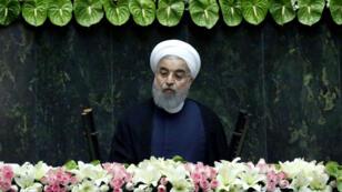 Le président iranien Hassan Rohani s'exprime devant le Parlement à Téhéran, le 5 août 2017.