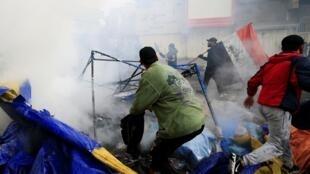 Les forces de sécurité irakiennes ont démantelé des campements de manifestants hostiles au pouvoir samedi 25 janvier.