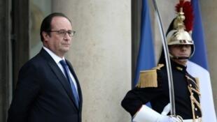 """Le président Holland""""e s'est dit prêt à recevoir """"à tout moment à Paris"""" les parlementaires guyanais"""