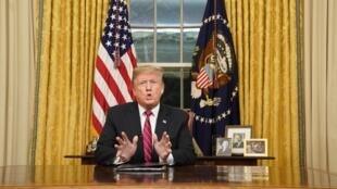 Donald Trump s'adresse aux Américains depuis la Maison Blanche, le 8 janvier 2019.