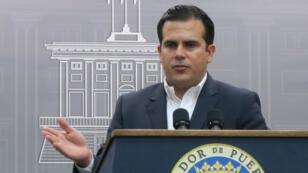 Ante la Junta de Gobierno de la Autoridad de Energía Eléctrica. el gobernador Ricardo Roselló pidió la cancelación del contrato con Whitefish Energy.