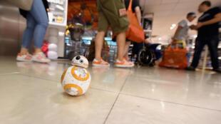 Le petit robot BB-8 semble destiné à être le jouet phare de la gamme des produits dérivés de l'univers Star Wars.