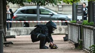 """L'enquête mobilise """"90 enquêteurs et 30 techniciens de la police technique et scientifique"""", a affirmé le procureur de la République de Paris."""