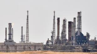 Photo d'archives d'une infrastructure pétrolière d'Aramco située au sud de la capitale saoudienne Ryad, le 15 septembre 2019